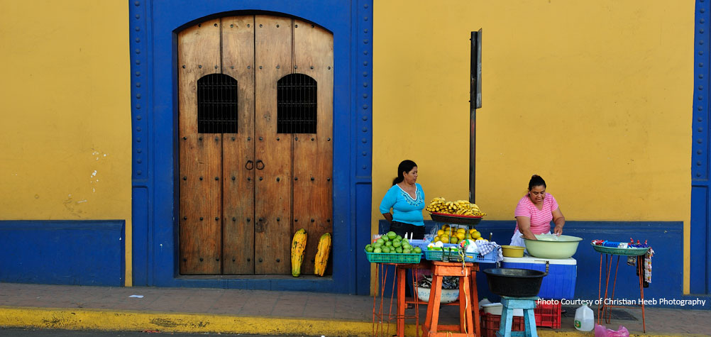 Discover Nicaragua with a guided tour through the colonial cities.