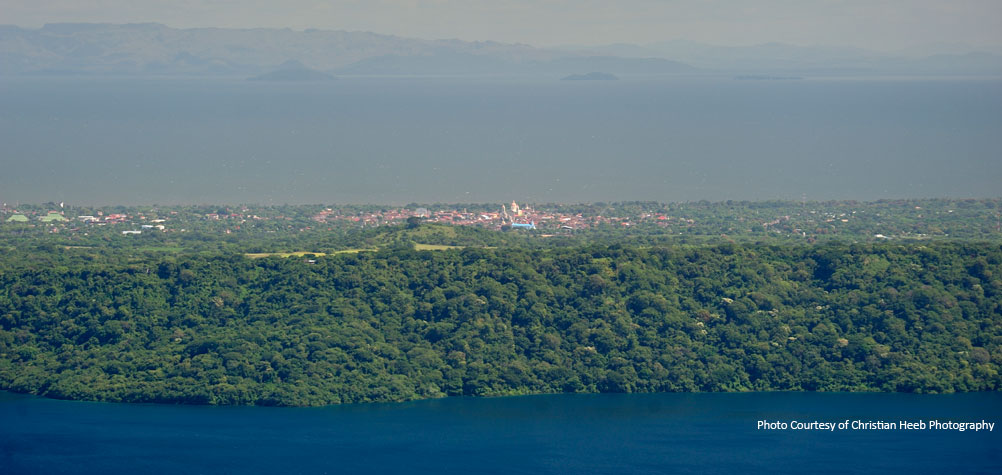 Discover Nicaragua with a guided tour of Nicaragua to lakes, lagoons and rivers.
